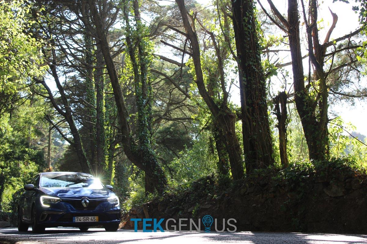 Renault-Megane-GT-12